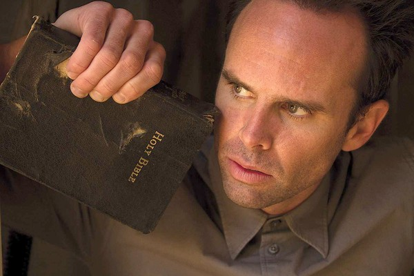 walton-goggins-justified-bible[1]