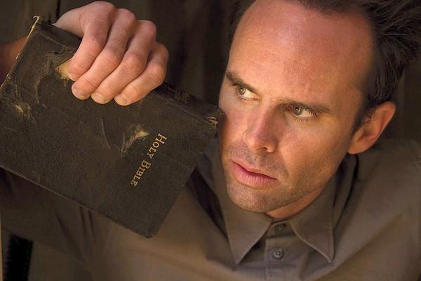 walton-goggins-justified-bible[1]