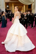 jennifer-lawrence-oscars-dior-gown