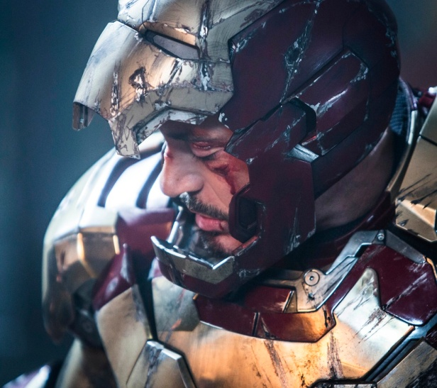 iron-man-3-robert-downey-jr-tony-stark-new-still