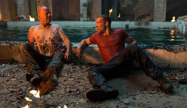 Bruce-Willis-and-Jai-Courtney-in-A-Good-Day-to-Die-Hard-2013-Movie-Image3