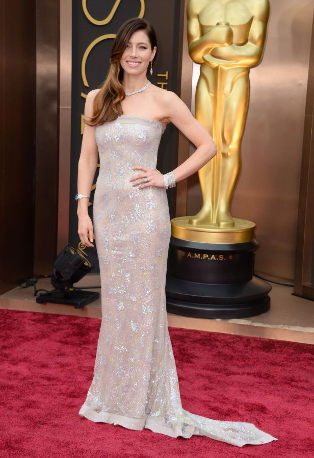 jessica-biel-wearing-chanel-couture-dress-2014-oscars_1