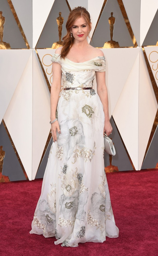 rs_634x1024-160228161342-634-isla-fisher-2016-oscars-academy-awards-mh-022816