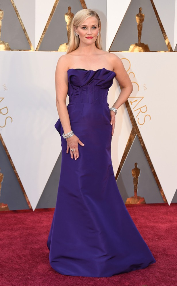 rs_634x1024-160228164839-634-reese-witherspoon-2016-oscars-academy-awards-mh-022816